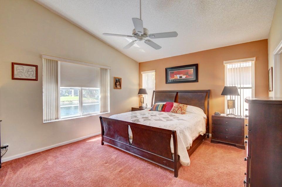 9541 Cherry Blossom Terrace Boynton Beach, FL 33437 - photo 20