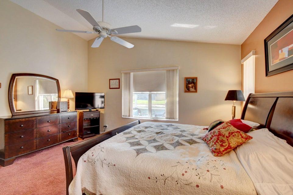 9541 Cherry Blossom Terrace Boynton Beach, FL 33437 - photo 21