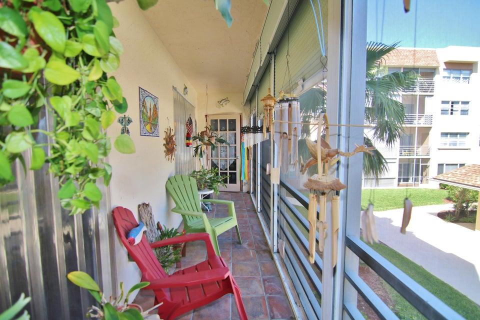1502 S Lakeside Drive 205 Lake Worth, FL 33460 photo 23