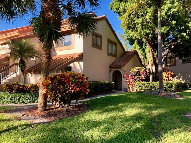 5590 Coach House Circle D  Boca Raton FL 33486