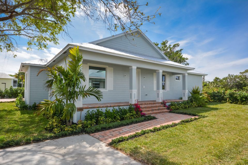 Single Family Home for Sale at 3090 SE River Breeze Place 3090 SE River Breeze Place Stuart, Florida 34996 United States
