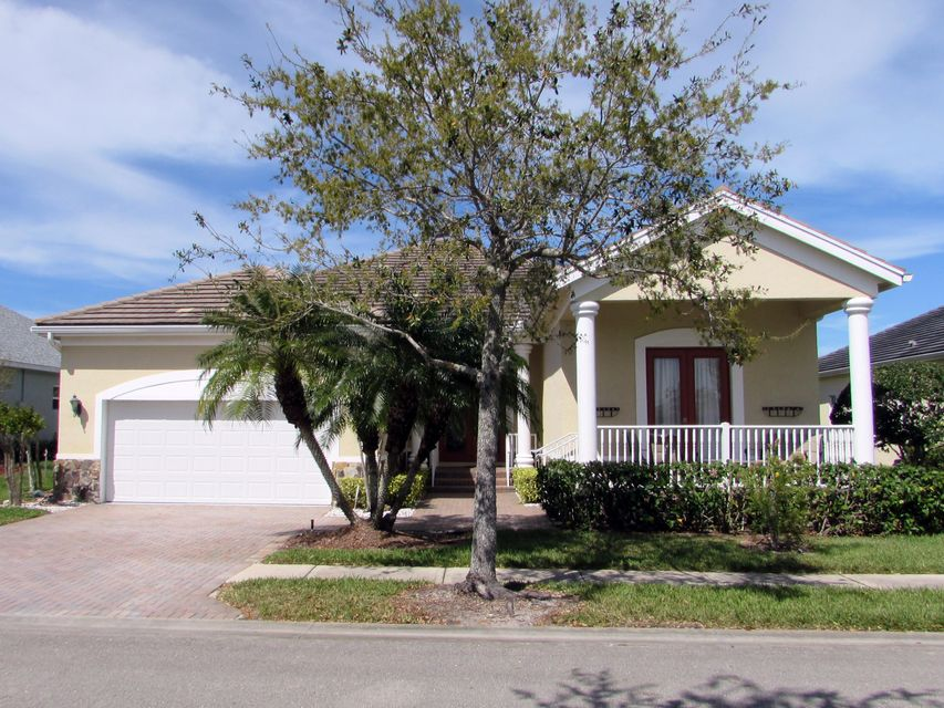 Single Family Home for Sale at 7618 S Village Square 7618 S Village Square Vero Beach, Florida 32966 United States