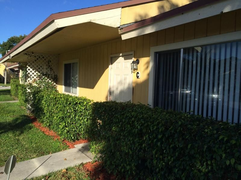 4827 Orleans Court C  West Palm Beach, FL 33415