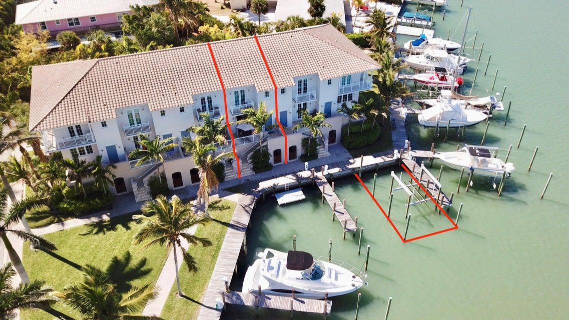 Townhouse for Sale at 1562 Island Cove Road 1562 Island Cove Road Hutchinson Island, Florida 34949 United States