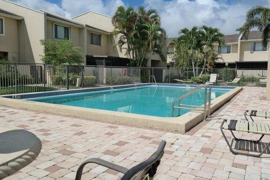 Villa for Sale at 211 Springdale Circle 211 Springdale Circle Palm Springs, Florida 33461 United States