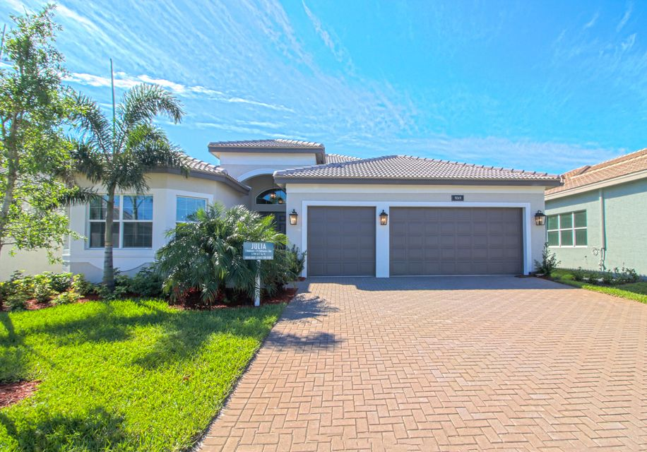 Valencia Bay home 9049 Golden Mountain Circle Boynton Beach FL 33473