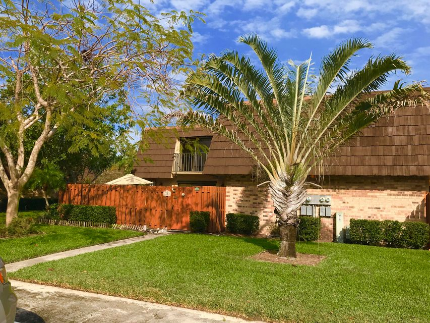 Townhouse for Sale at 6449 SE Windsong Lane 6449 SE Windsong Lane Stuart, Florida 34997 United States