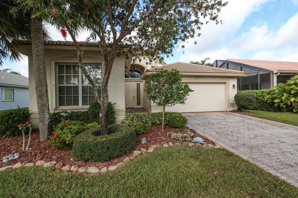 7809 Royal Lace Terrace  Lake Worth, FL 33467