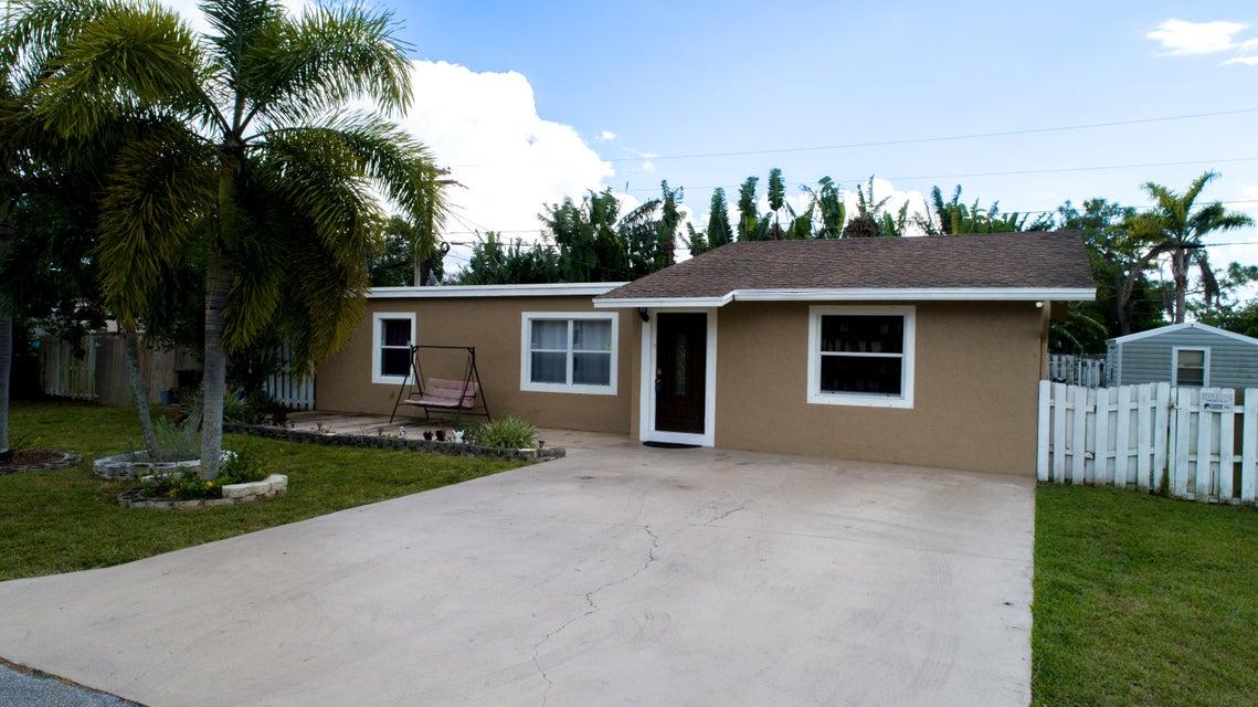 9110 Arpege Place  Lake Worth, FL 33467