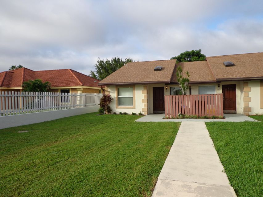 Duplex / Multiplex for Rent at 1367 The 12th Fairway 1367 The 12th Fairway Wellington, Florida 33414 United States