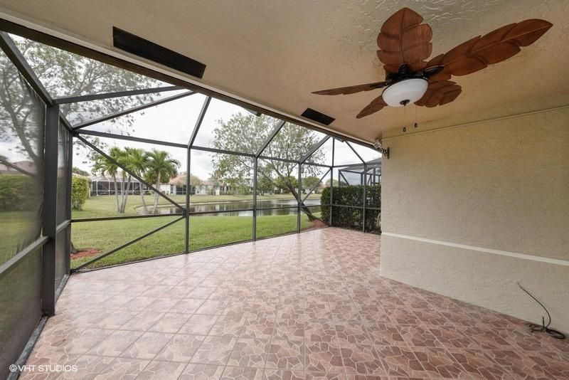 2085 Stonington Terrace West Palm Beach, FL 33411 photo 2