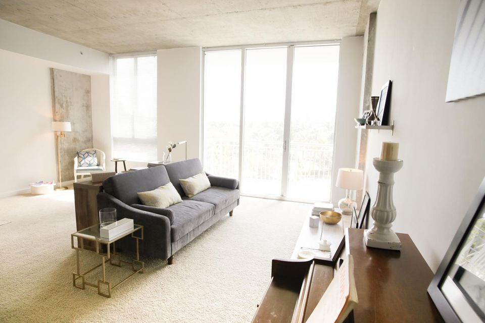 Apartment for Rent at 300 S Australian Avenue # 303 300 S Australian Avenue # 303 West Palm Beach, Florida 33401 United States