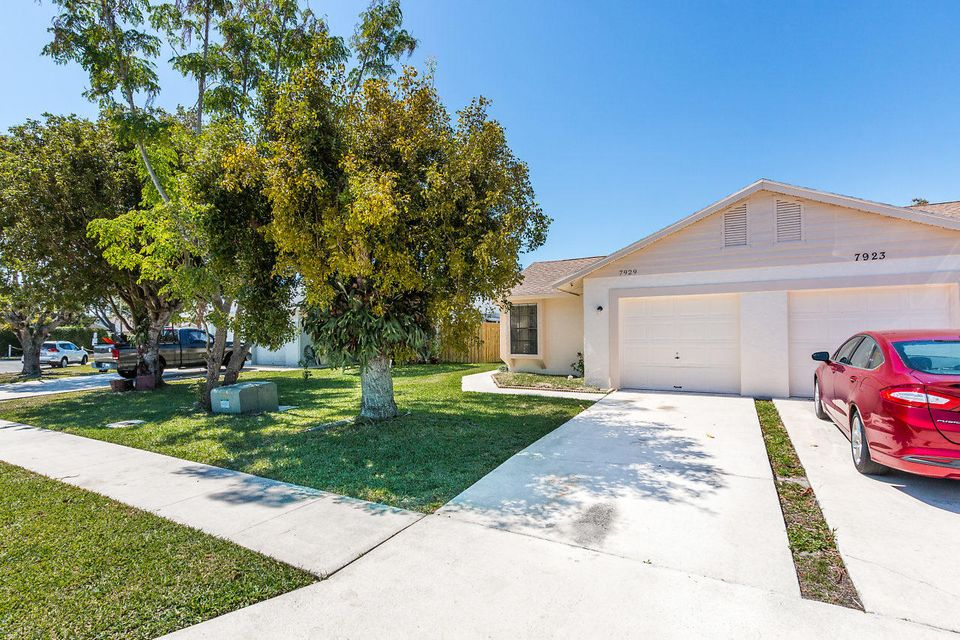 Home for sale in ARBOR GLEN Lake Worth Florida