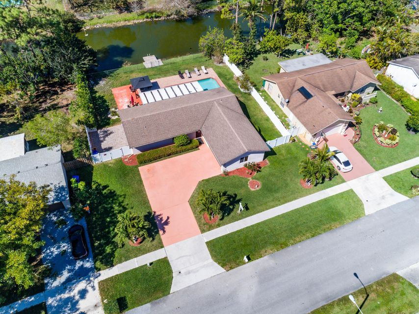 194 Bobwhite Road Royal Palm Beach, FL 33411 photo 2