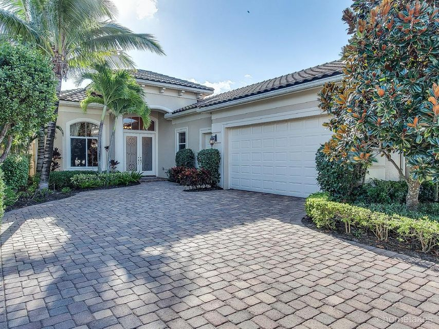 Single Family Home for Rent at 116 Bianca Drive 116 Bianca Drive Palm Beach Gardens, Florida 33418 United States