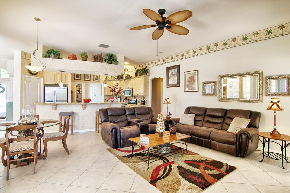 138 Cypress Trace Royal Palm Beach, FL 33411 photo 7