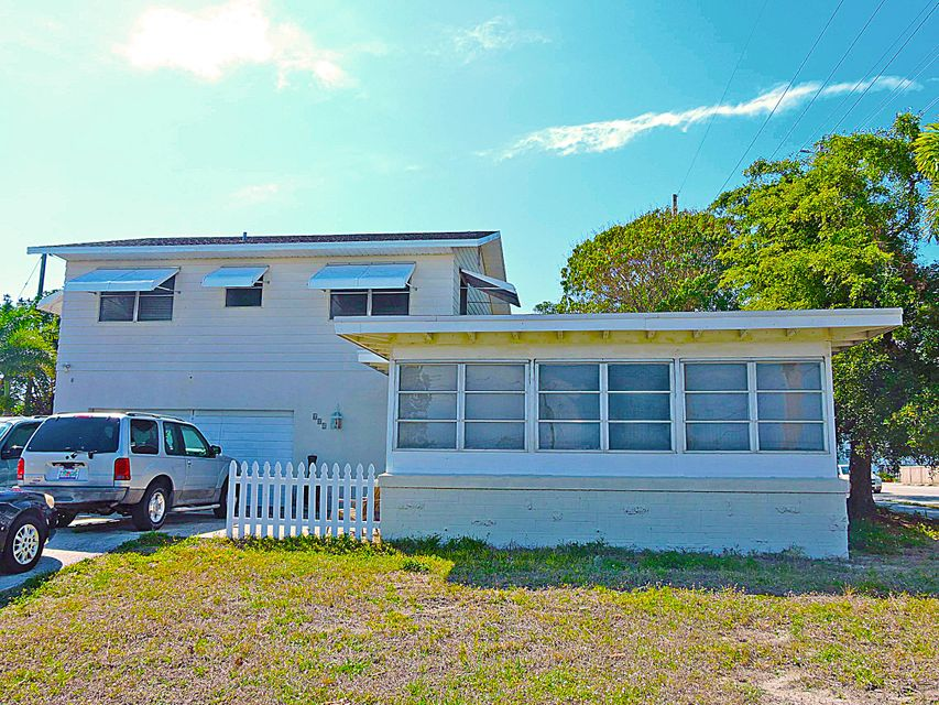 Single Family Home for Sale at 601 Grove Street 601 Grove Street Lake Worth, Florida 33461 United States