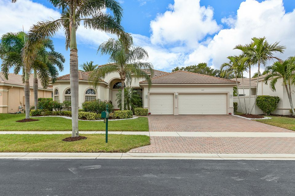 2621 Arbor Lane  Royal Palm Beach FL 33411