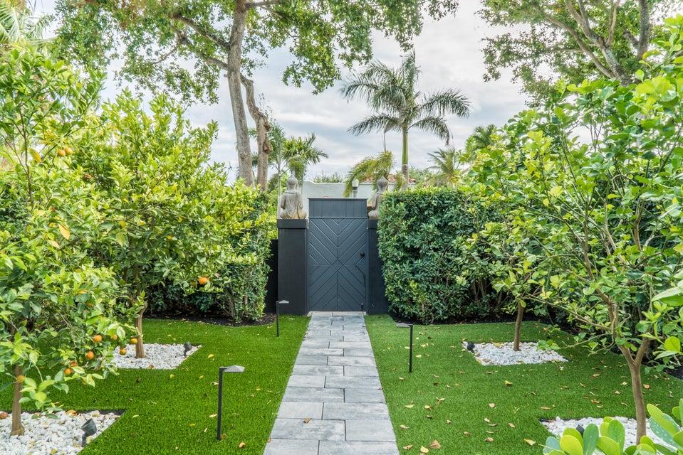 533 Westwood Road West Palm Beach, FL 33401 photo 3