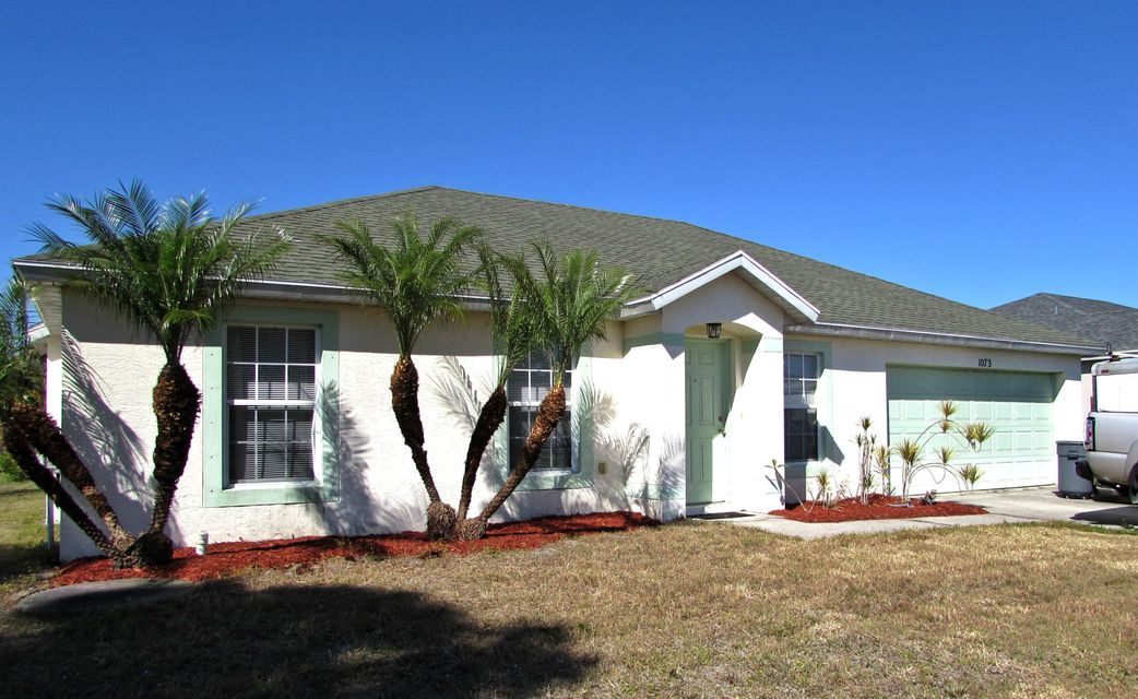 Single Family Home for Sale at 1073 SW Romaine Lane 1073 SW Romaine Lane Port St. Lucie, Florida 34953 United States