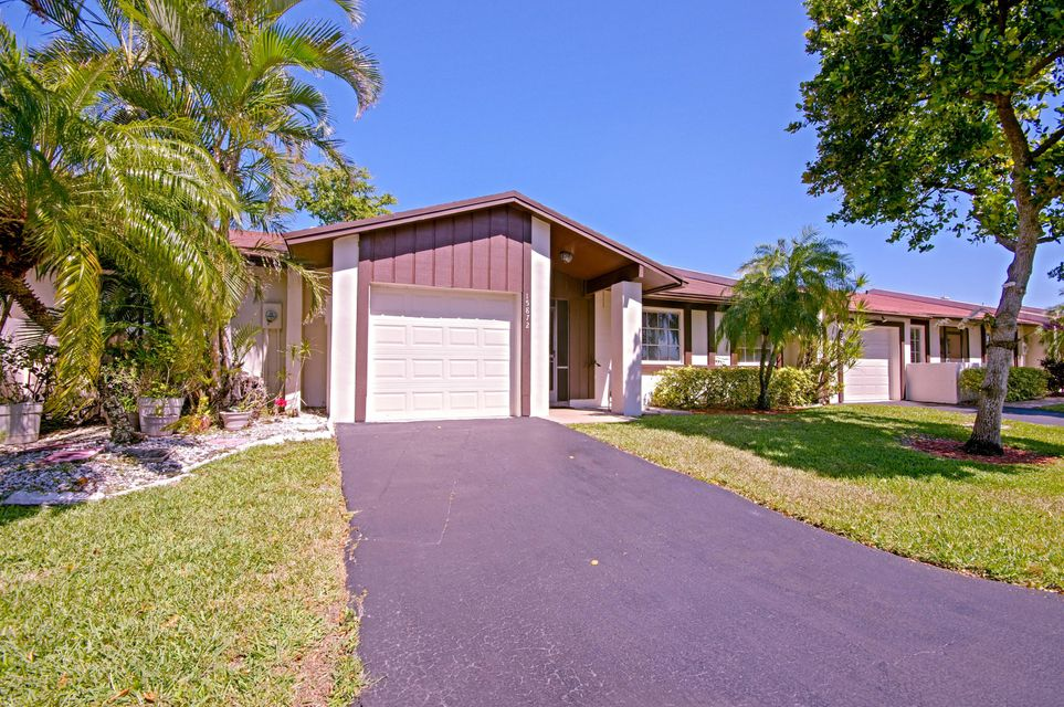 Villa for Sale at 15872 Laurel Oak Circle 15872 Laurel Oak Circle Delray Beach, Florida 33484 United States