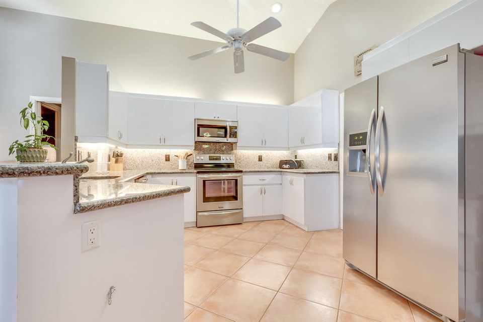 13502 Brixham Street Wellington, FL 33414 photo 8