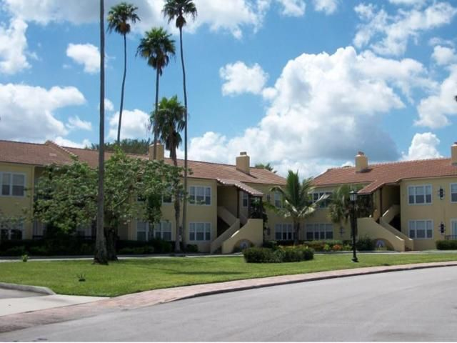 Condominium for Rent at 2605 Saint Lucie Boulevard # 23 2605 Saint Lucie Boulevard # 23 Fort Pierce, Florida 34946 United States