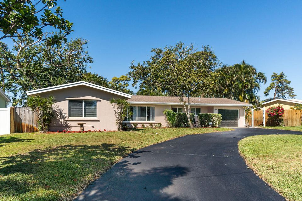 2635 SW 8th Street  Boynton Beach FL 33435