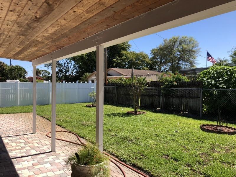 127 W Palmetto Road Lake Worth, FL 33467 photo 3