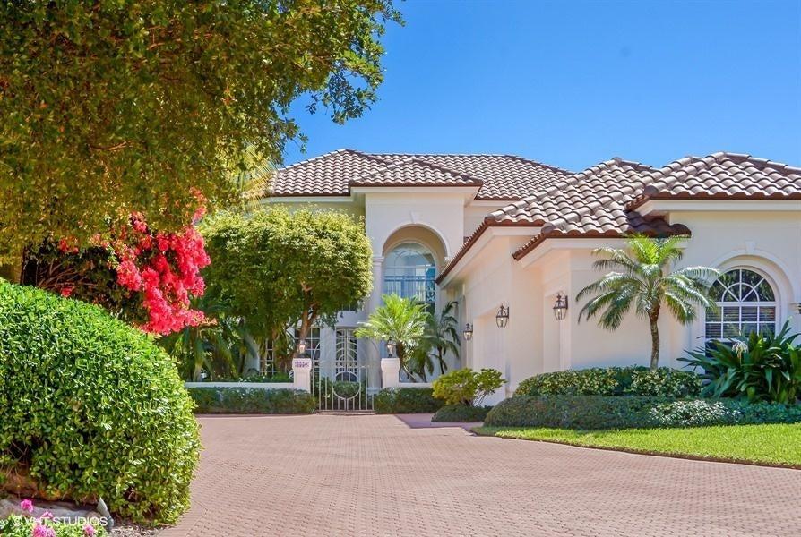 Villa for Sale at 6550 SE South Marina Way 6550 SE South Marina Way Stuart, Florida 34996 United States