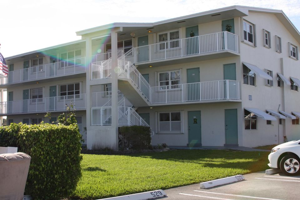 Condominium for Sale at 610 E Horizons # 211 610 E Horizons # 211 Boynton Beach, Florida 33435 United States