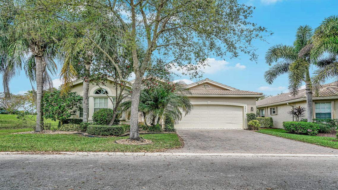 VALENCIA SHORES home 8837 Laguna Royale Lake Worth FL 33467