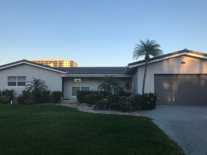 Single Family Home for Rent at 7242 NE 8th Drive 7242 NE 8th Drive Boca Raton, Florida 33487 United States