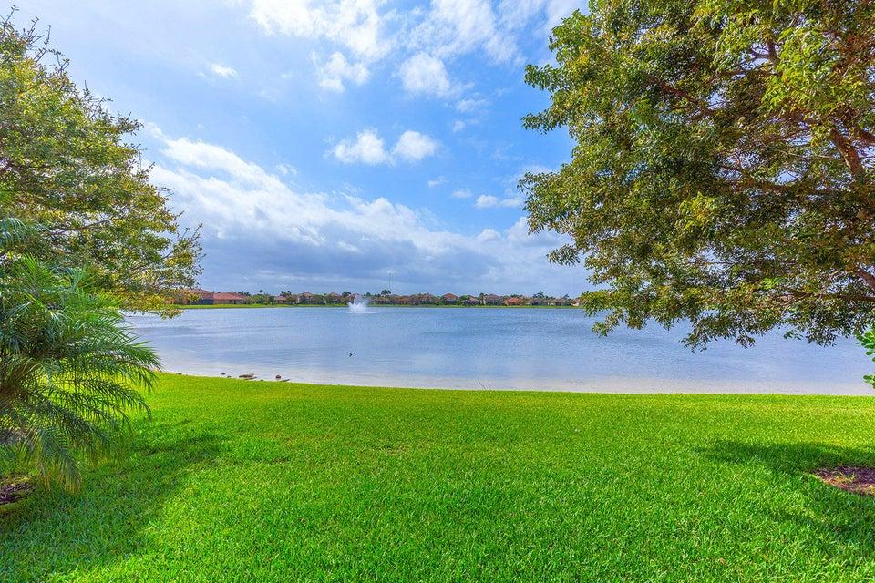 10626 Willow Oak Court Wellington, FL 33414 photo 4
