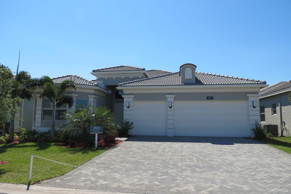 Valencia Bay home 9037 Golden Mountain Circle Boynton Beach FL 33473