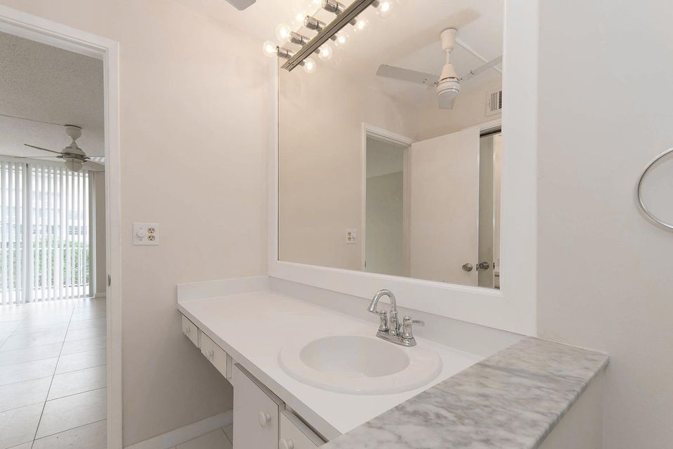 Additional photo for property listing at 3575 S Ocean Boulevard 3575 S Ocean Boulevard South Palm Beach, 佛罗里达州 33480 美国