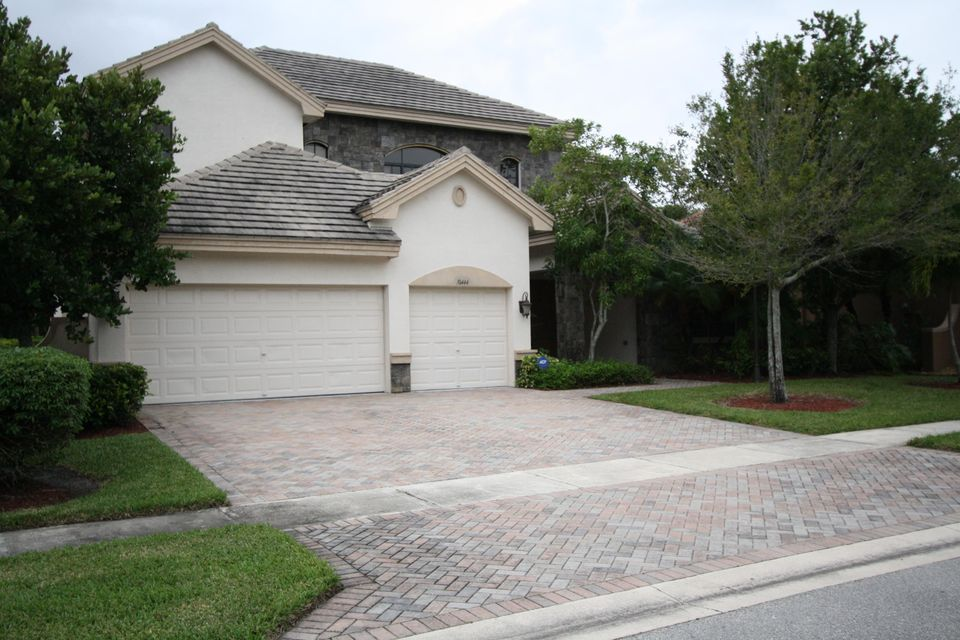 Single Family Home for Rent at 10444 Trianon Place 10444 Trianon Place Wellington, Florida 33449 United States