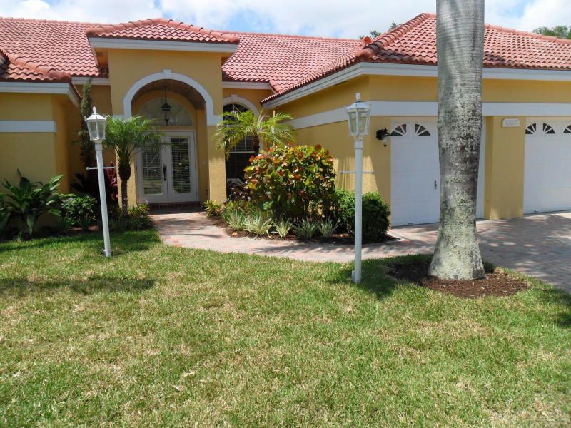 Single Family Home for Sale at 10207 Allamanda Boulevard 10207 Allamanda Boulevard Palm Beach Gardens, Florida 33410 United States