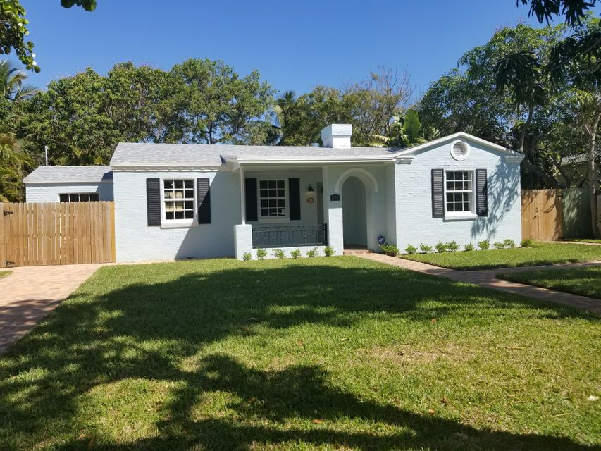Single Family Home for Rent at 205 Wenonah Place 205 Wenonah Place West Palm Beach, Florida 33405 United States
