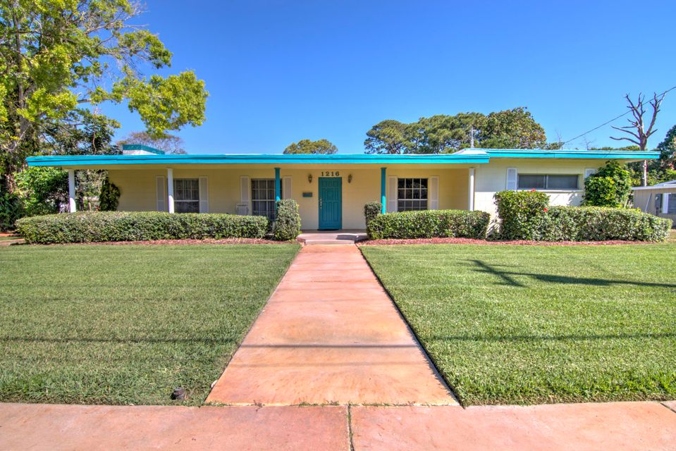 Single Family Home for Sale at 1216 York Avenue 1216 York Avenue Fort Pierce, Florida 34982 United States