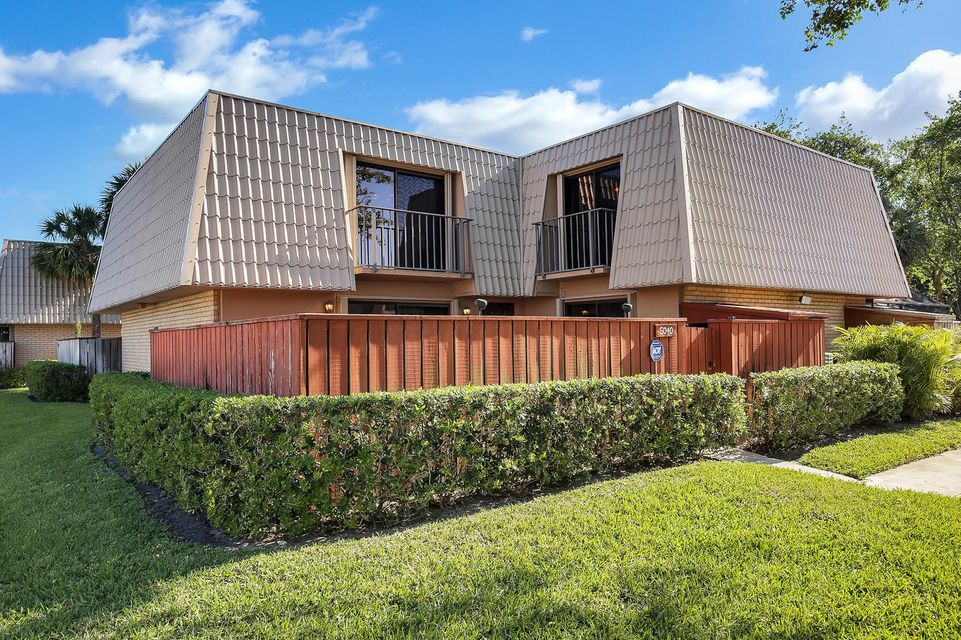 Home for sale in Sandalwood Lakes So West Palm Beach Florida