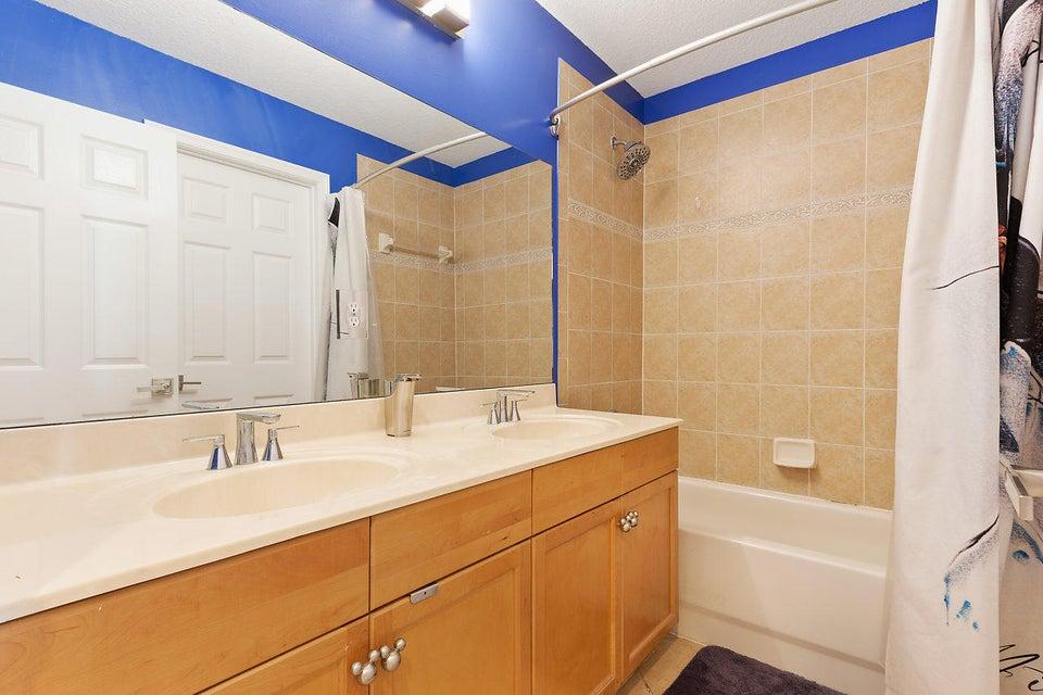 9039 Dupont Place Wellington, FL 33414 photo 21