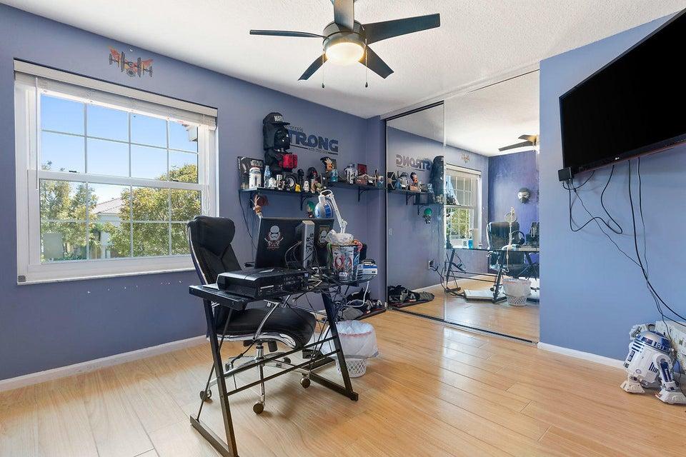 9039 Dupont Place Wellington, FL 33414 photo 19