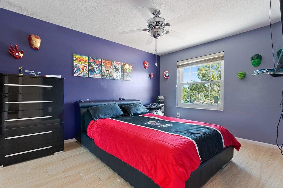 9039 Dupont Place Wellington, FL 33414 photo 20