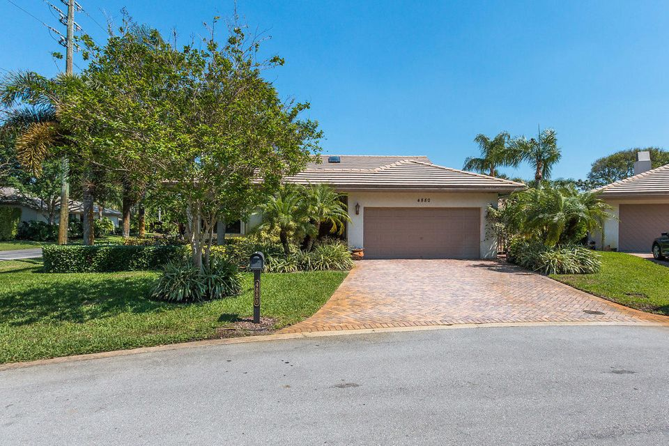 Single Family Home for Sale at 4880 Pine Tree Drive 4880 Pine Tree Drive Boynton Beach, Florida 33436 United States
