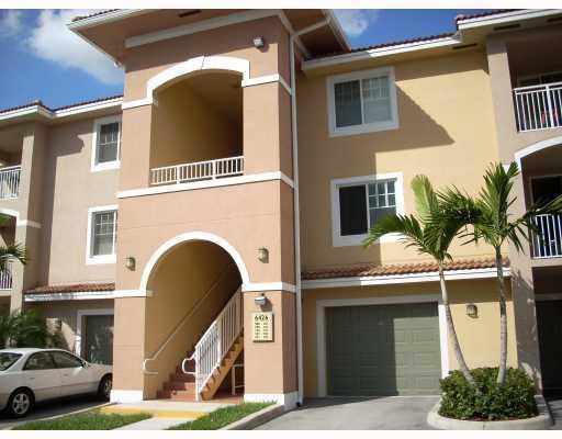 Condominium for Rent at 6450 Emerald Dunes Drive # 104 6450 Emerald Dunes Drive # 104 West Palm Beach, Florida 33411 United States