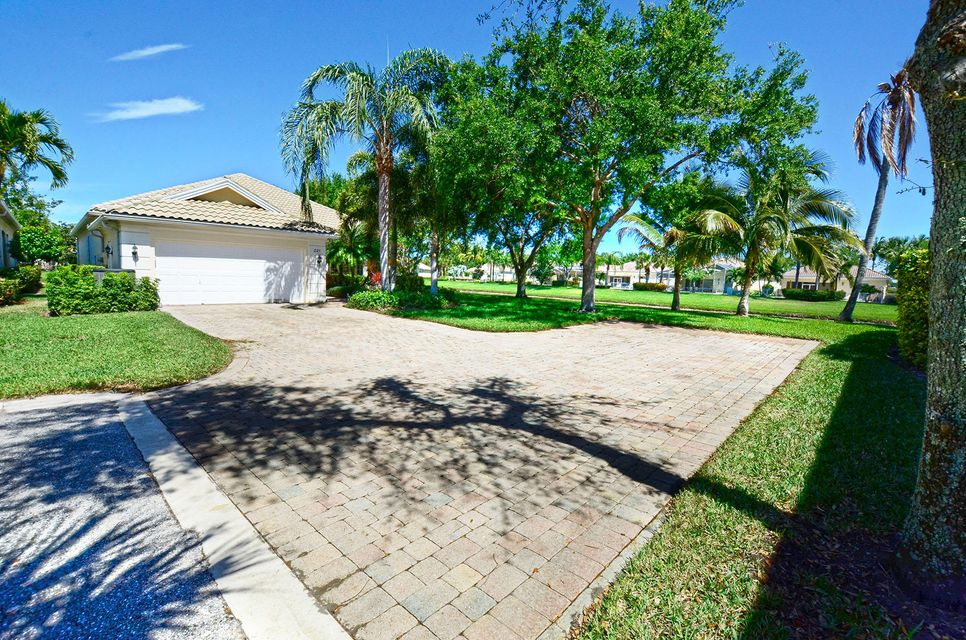 221 Danube Way , Palm Beach Gardens FL 33410 is listed for sale as MLS Listing RX-10414750 32 photos