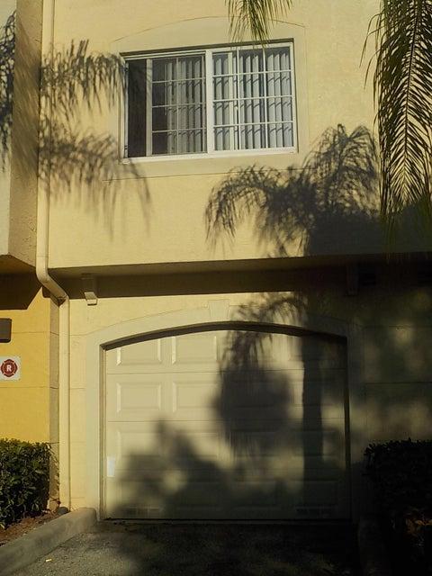 800 Crestwood Court 805 Royal Palm Beach, FL 33411 photo 3