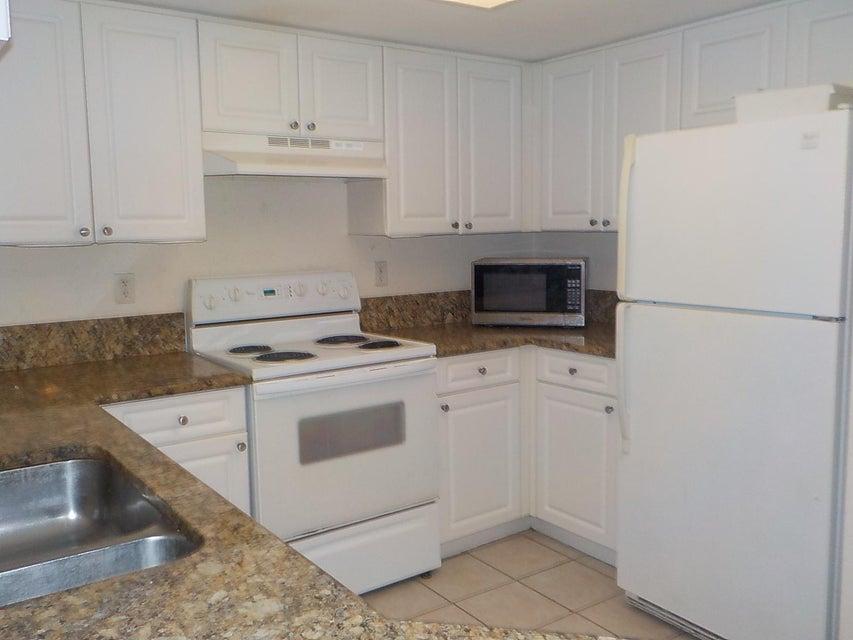 800 Crestwood Court 805 Royal Palm Beach, FL 33411 photo 7