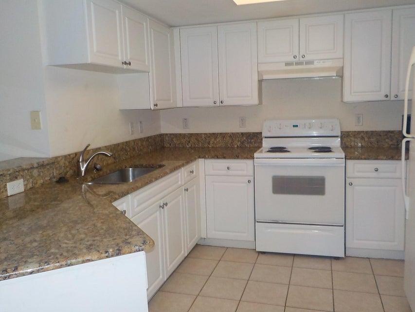 800 Crestwood Court 805 Royal Palm Beach, FL 33411 photo 8